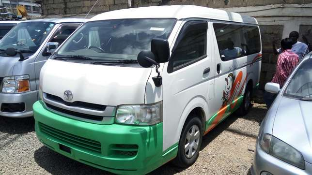 Toyota hiace 7L petrol 2,700cc fitted with seats from Japan(11 seater) Langata - image 1