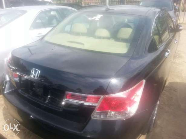 Tincan cleared tokunbo honda accord 2009 leather seat Apapa - image 5