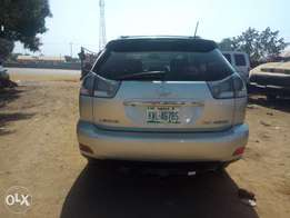 Very clean Toyota Lexus RX 400 for sale