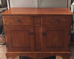 Beautful antique solid hard wood sideboard/buffet/dining table unit