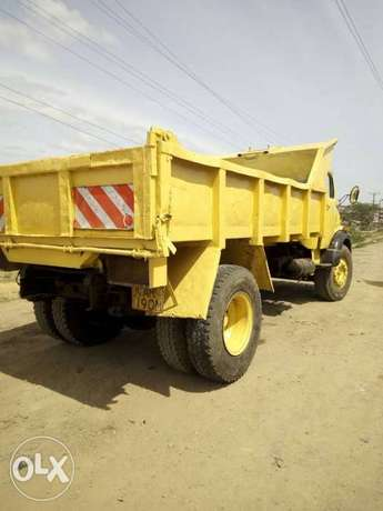 Mercedes benz tipper lorry in great working condition Lavington - image 3