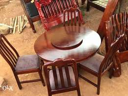 ready to take round dining set
