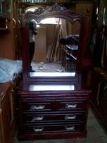 Dressing table 3 feet wide