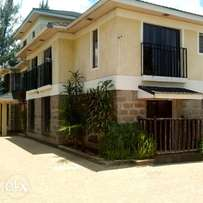 2/bedroom fully furnished to Let opp Kenmosa at Ksh 3500 pd