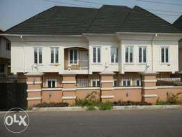A newly bluit 6bedroom detached house with 2room bq in ikeja