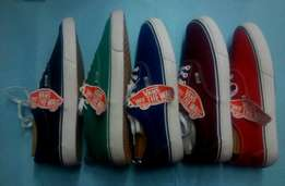 "vans ""of the wall"" shoes"