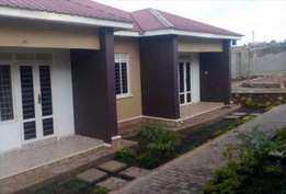 A wesome 2bedroomed house in kira at 500k