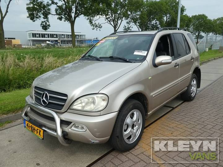 Mercedes-Benz M-KLASSE 270 CDI grijskenteken airco - 2003