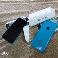 iPhone 5c (Neatly Used and Clean)