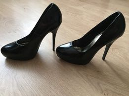 Туфли чёрные на каблуке туфельки 35 размер туфлі лакові  100 грн ... e09c8f958023f