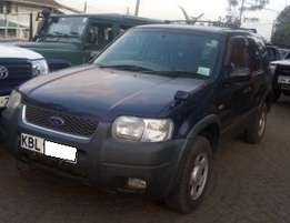Ford Escape [ Auto , CD Player , Air Condition ]