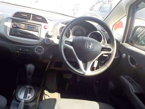 Honda Fit: 2010!Fully Loaded:FogLights!Rear Spoiler!Alloy Wheels! Nairobi West - image 5
