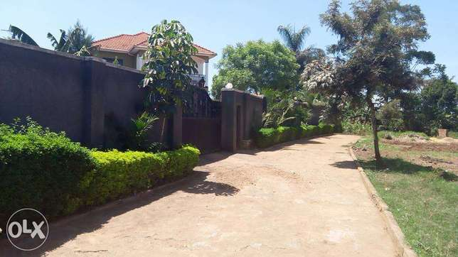 4bedroomed stand alone mansoin for rent in namugongo at 2.5m Wakiso - image 5