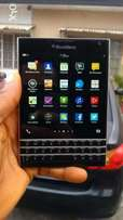 Clean BlackBerry Passport 32GB & with warranty