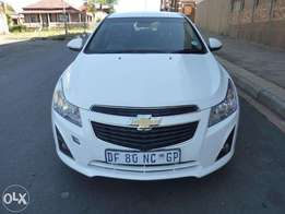 2014 chevrolet cruze 1.8ls for sale at R145000