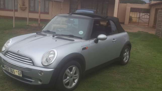 2005 1.6 Mini Convertible Rondebult - image 8
