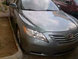 Toyota Camry LE Leather V4