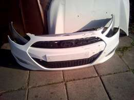 Complete Hyundai i10 Front Bumper with Grilles And Fog lamps!!