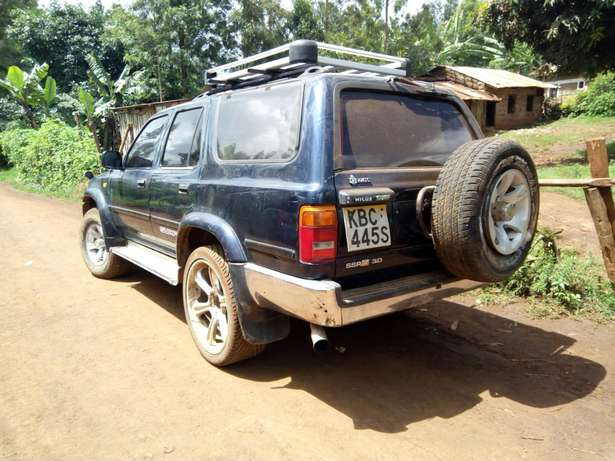Seling of a car Garissa Town - image 4
