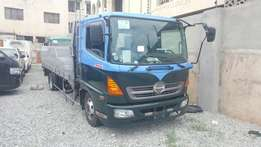 Hino truck 2009 model on sale