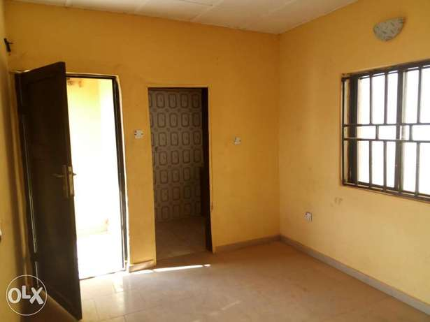 One-bedroom apartment at Suncity N450k Abuja - image 1