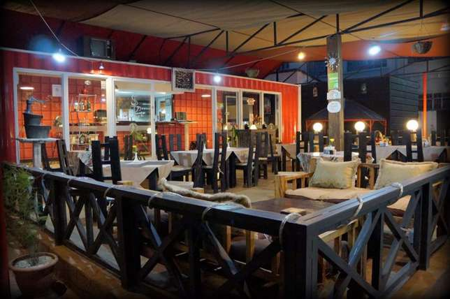 Restaurant To let Parklands - image 1