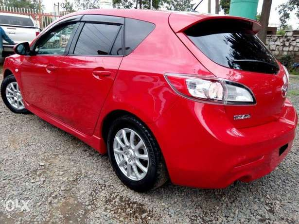 Mazda Axela Newshape, Red, Year 2010, 1500cc auto Hurlingham - image 3