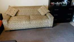 Couch 2m and matching ottoman