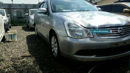Clean silver Nissan bluebird 1.8L/2009 model.buy on hire-purchase!