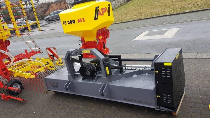 s Dickopf PLM255 fertiliser spreader - 2019