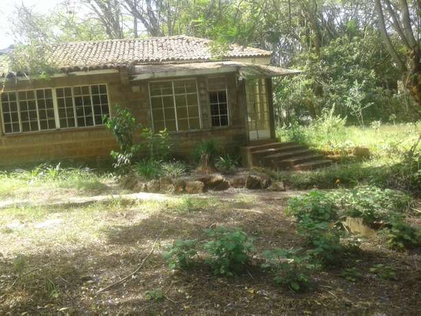 3/4 acre plot with old building for sale a lavington Lavington - image 4