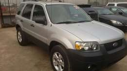 A tokunbo ford escape 2005 midel