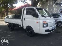 Hyundai h100 2.7diesel,white,for sale