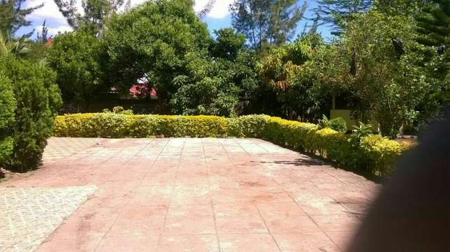 Hse for sale at karen nairobi Ngong - image 3