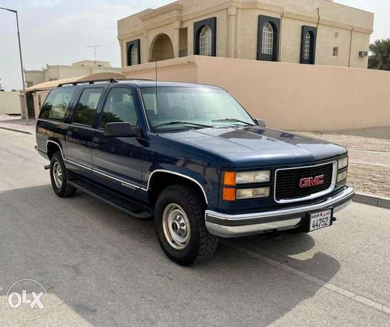 1999 GMC Suburban (68,000km only)