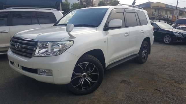 Toyota L/C V8,2009,very clean unit Lavington - image 2