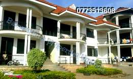 Majestic 2 bedroom apartment in muyenga at 900k