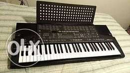 Uk used Yamaha PSR 411 Portable Advance Keyboard for sale