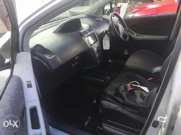 Toyota Vitz 2009 for sale Parklands - image 2