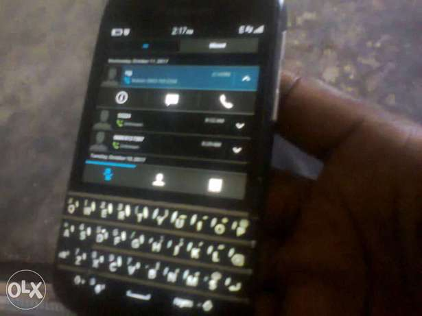 Q10 with latest BB OS (runs any android including WHATSAPP) Ilorin West - image 1
