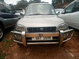 Toyota Rav4 model 1999 silver color in excellent condition