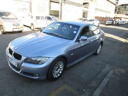 2009 bmw 320i in a good condition