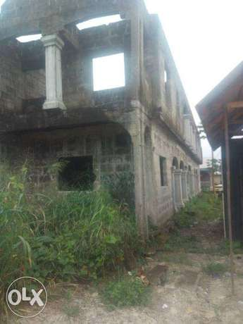 6 Flats of Semi Develped Property Behind the OAKS Hotel, Ughelli North - image 5