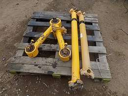 Bell B30D Prop shafts and Tri Links