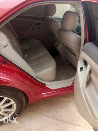 Mint Tomato Red 2008 Toyota Camry LE with neat leather & custom alloys Abule Egba - image 5