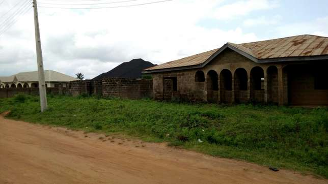 3 plots of land with structures on it for sale Ilorin West - image 3