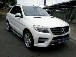 2013 Mercedes benz ml 350 Bluetec in very good condition