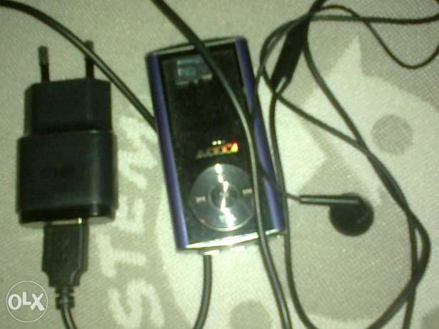 mp3 music player with 4gb,charger and earpiece or swap Surulere - image 1