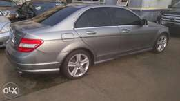Tokunbo 2009 Mercedes-Benz c300 for 5.2m