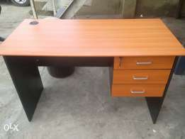 ZQ Office Durable 4ft Table (New)